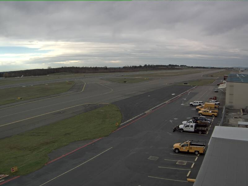 Airport webcams live 24/7
